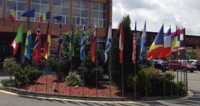 Steaguri exterior cu lance